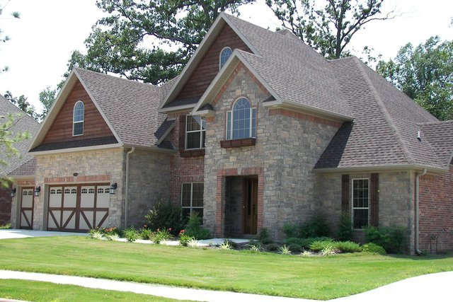 Stone Veneer Is Used As An Alternative To Exterior Stone Masonry  Construction For The Interior And Exterior Of Buildings, Including Patio  Stones, ...