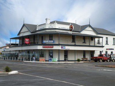 Seabreeze hotel tumby bay