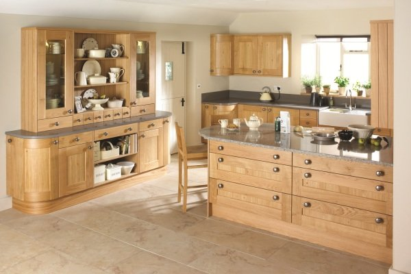 Erin wooden kitchen design in Bristol