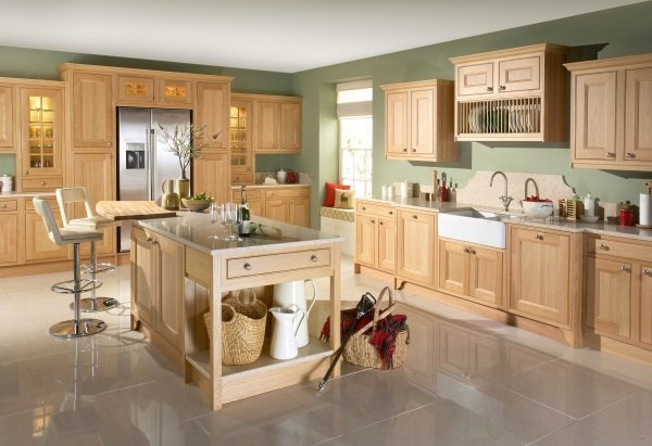 Tetbury wooden kitchen design in Bristol