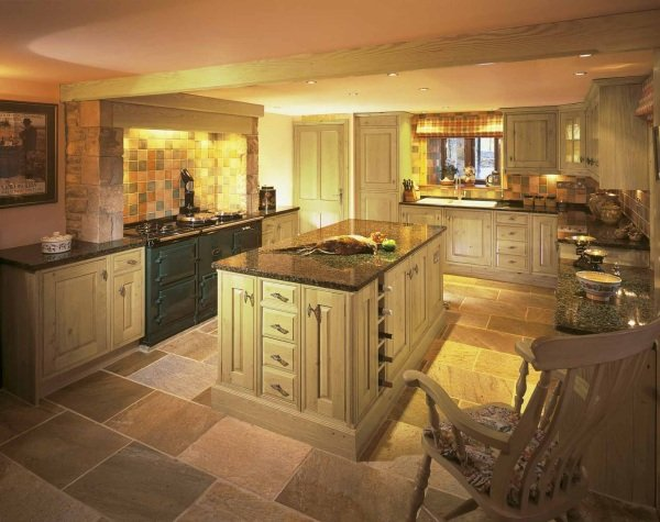 Holborn wooden kitchen design in Bristol